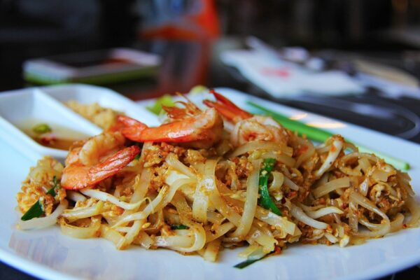 pad thai, hungry, noodles